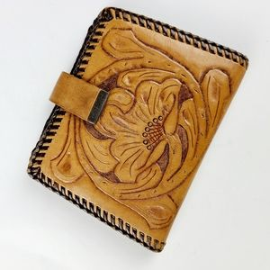 《Vintage》 tooled leather wallet